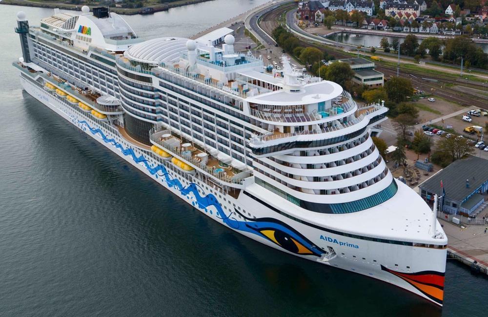 Slides Ships Cruise Water