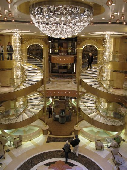 61. Atrium Royal Princess