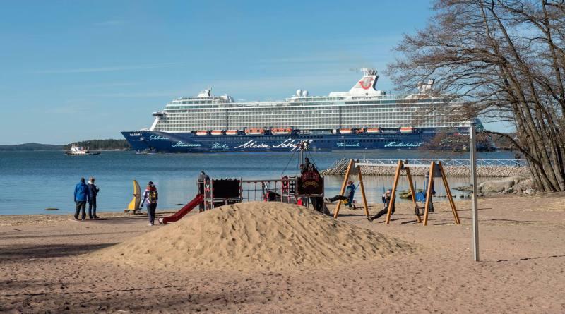 TUI Cruises wil in 2023 hele vloot op walstroom in Duitse havens