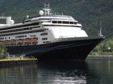 Onze (aller) eerste cruise. - Cor en Jany Veltenaar, 24 juli 2009