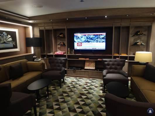 Koningsdam Neptune lounge 002