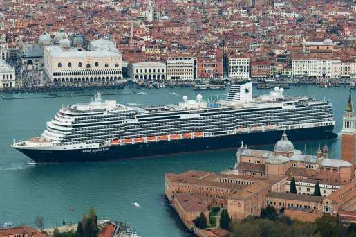 Koningsdam in Venetie