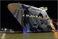 23-Norwegian-bliss-in-papenburg-cruiseship-bow-wide-angle-shot-at-night