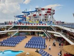 Carnival Horizon pooldeck