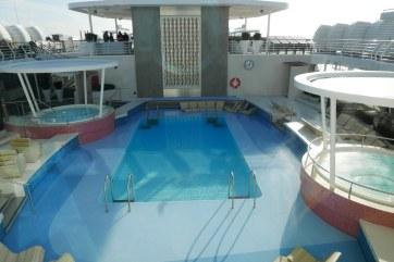 Mein Schiff 2 zwembad 27