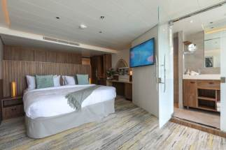low_1556281370_Celebrity-Flora-Sky-Suite-with-Infinite-Veranda-Interior