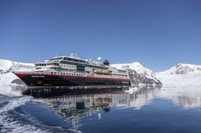 MS-Midnatsol-Neko-Harbour-Antarctica-HGR-134559_500- Photo_Genna_Roland