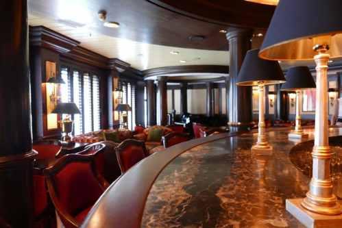 Avenue Saloon (Pianobar)