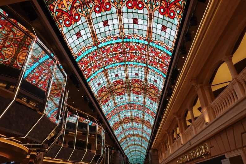 MSC Grandiosa Galleria Grandiosa 027