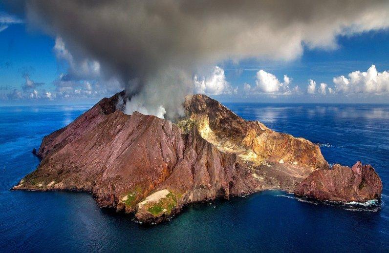De vulkaan op archieffoto