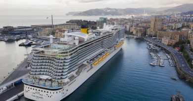 Costa Smeralda tegen kraan gebotst: schade aan reddingsboot