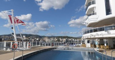 MSC Seaside, South Beach Pool