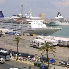 Más de 10.000 personas arriban a Cádiz a bordo de cuatro cruceros