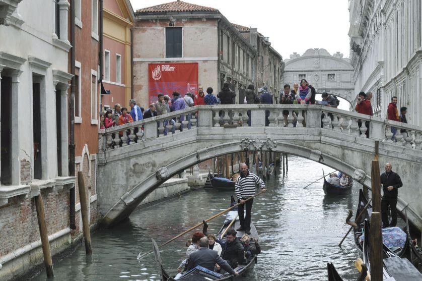 riesgos-del-turismo-de-masas2