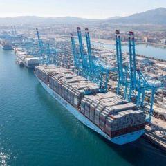 Seguimiento mayoritario de la huelga de estiba en los puertos y cumplimiento de los servicios mínimos establecidos en el primer turno de trabajo