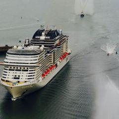 MSC Cruceros bautiza el mayor barco construido por un armador europeo