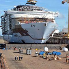 El Symphony of Seas, nuevo barco de Royal Caribbean, abandona el dique seco