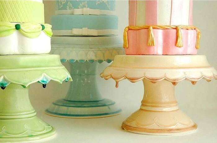 ClaraFrench_cake_pedestal_1