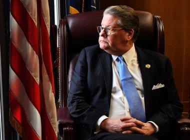 «Guérissez-vous ou mourrez»: un sénateur d'État révèle sa bataille contre la toxicomanie