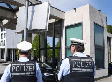 Voiture dans un carnaval en Allemagne : les motivations du conducteur toujours floues