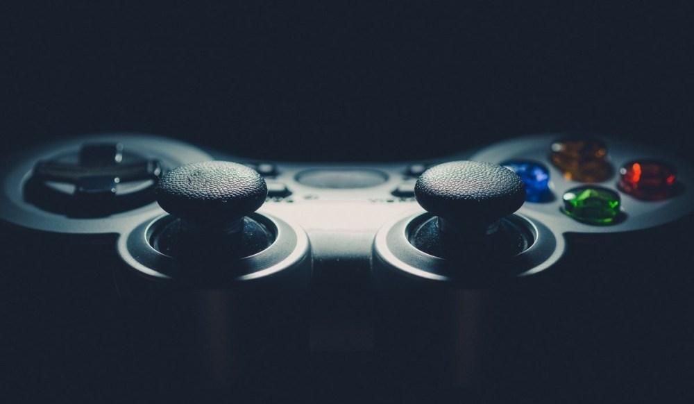 Manette playstation vue de profil
