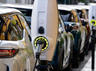 Ces actions offrent un meilleur moyen d'investir dans la révolution des véhicules électriques que les constructeurs automobiles eux-mêmes
