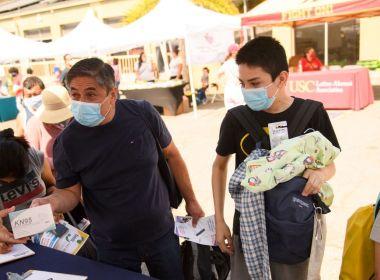 Le débat sur les mandats de masque dans les écoles se poursuit alors que les taux de vaccination COVID-19 augmentent chez les adolescents