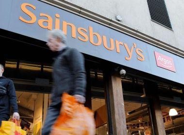 Les actions de Sainsbury sautent sur l'annonce qu'elle attirera la prochaine offre de capital-investissement