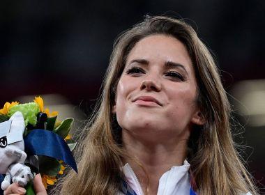 Une olympienne polonaise vend sa médaille d'argent aux enchères pour 125 000 $ pour aider à payer la chirurgie cardiaque d'un bébé