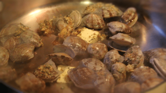 Steamer Clams with White Wine