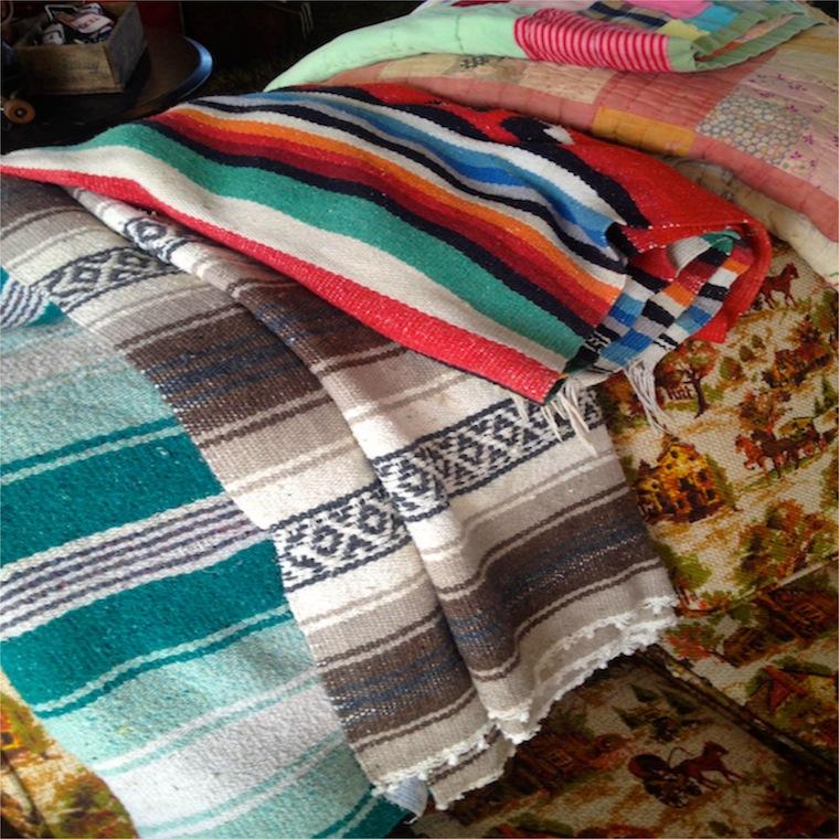 R&W Blanket Folds