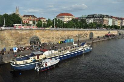 Praga: Junto ao rio Vltava