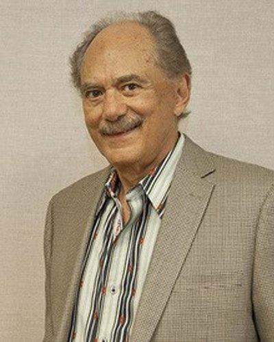 Victor Cruz, MD