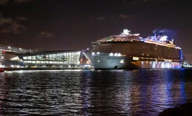 Symphony of the Seas chega a Miami