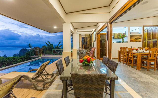Casa Grande Vista outdoor dining