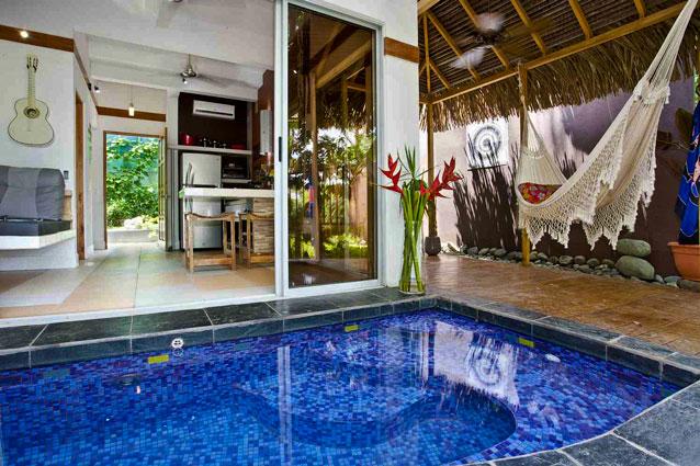 Manuel Antonio Home Rentals: Espadilla Ocean Club interior pool
