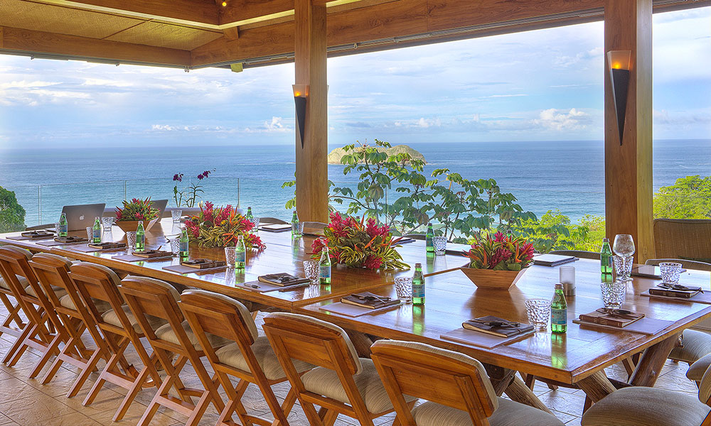 Villa Perfecta dining view