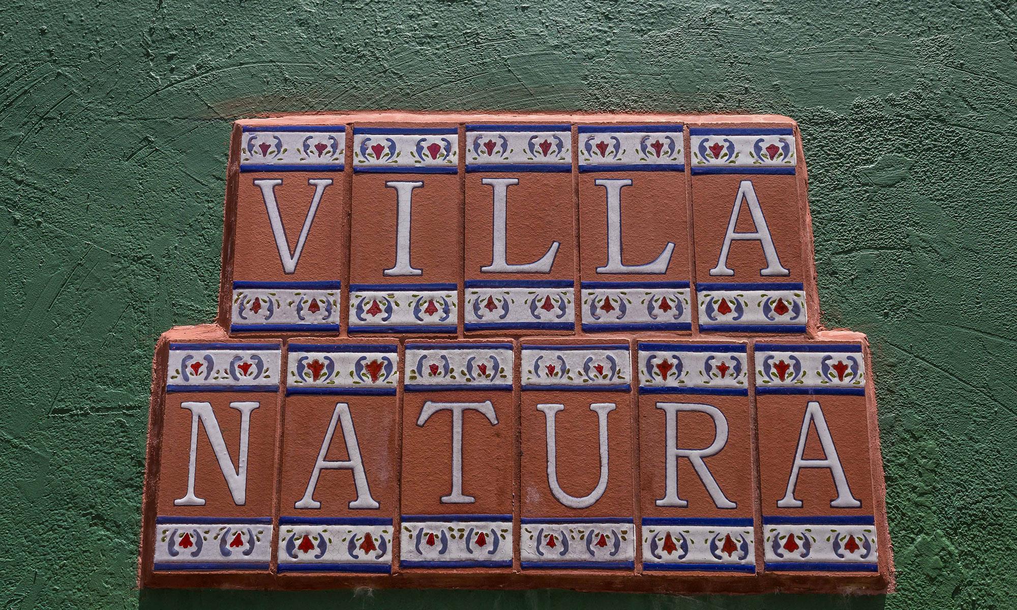 Villa Natura sign