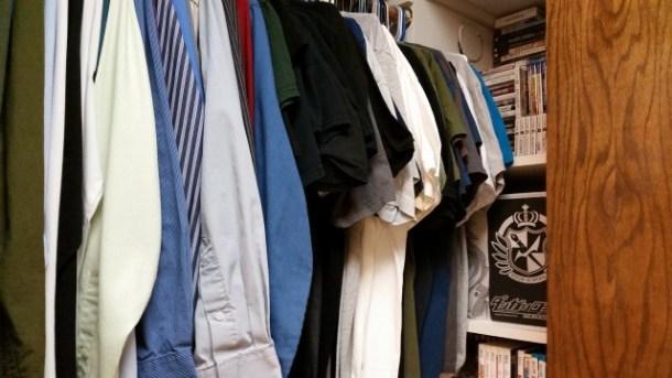 R2-ClosetClothes