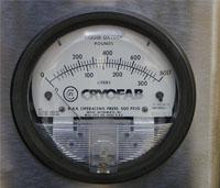 liquid level gauge for cryogenic storage and transport