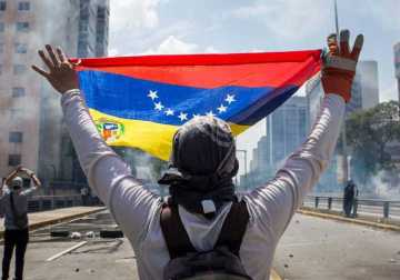 Venezuela's Inflation Hikes to 1.37 Million Percent As Petro Is About to Go Live