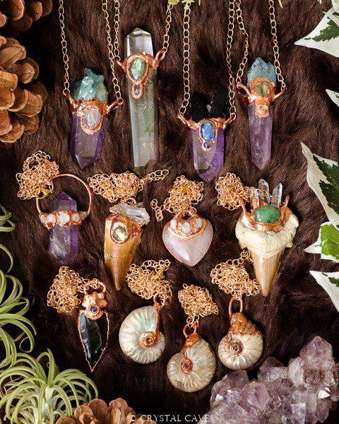 Nieuwe handgemaakte edelstenen hangers - Crystal Cave