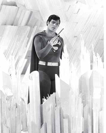 superman en la cueva