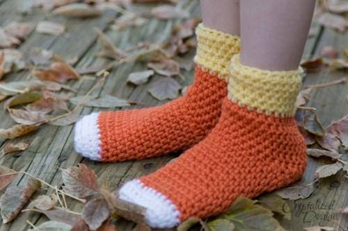 Candy corn sock slipper free crochet pattern