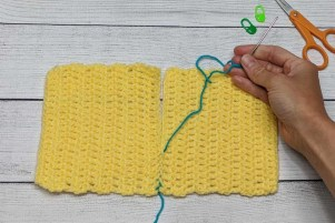 Sewing Crochet Pieces Together Using Mattress Stitch Step 11