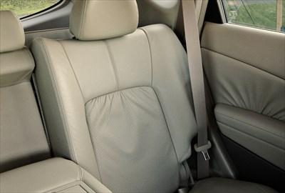 車内の臭い・汚れを落とす