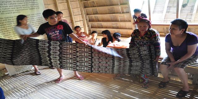 DSC 0799 - Talk: Weaving Dreams as Filipino Educational Praxis
