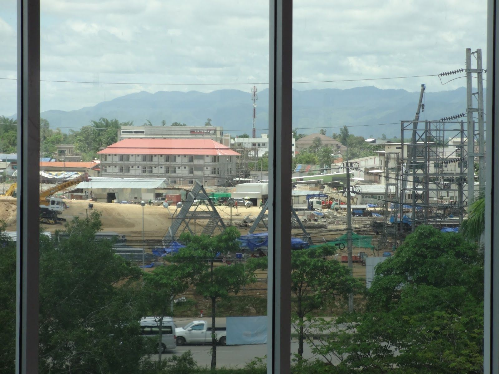 View of construction of Robinson mall in Mae Sot, 2015