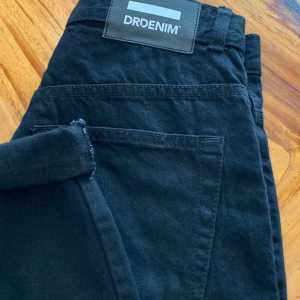DR. DENIM NORA HIGH WAIST MOM JEANS BLACK