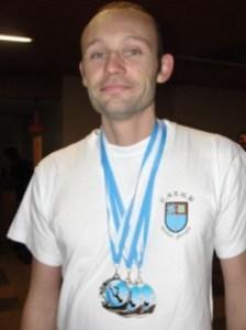 homme-au-3-medailles.jpg